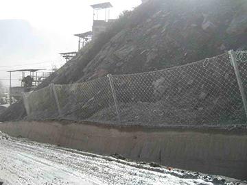 山体被动防护网